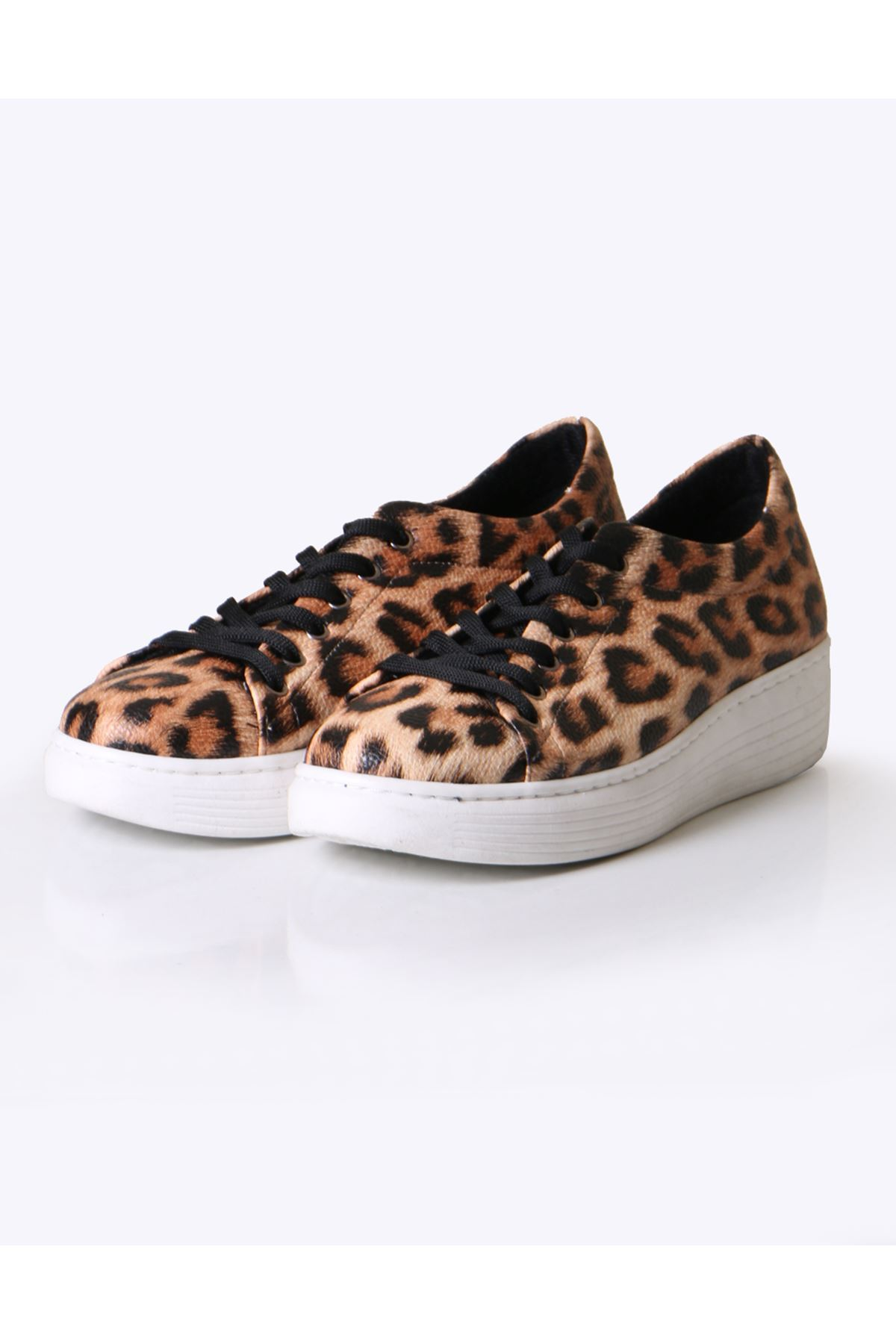 Siyah Leopar Desen Sneaker Ayakkabı