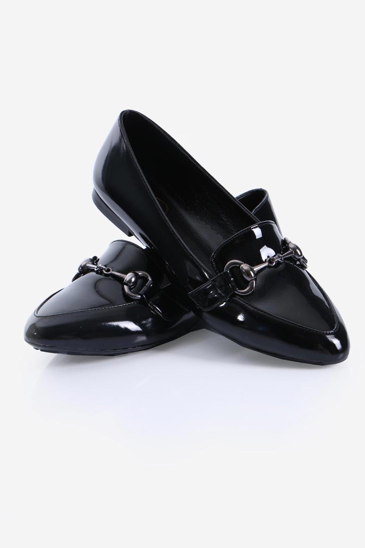 Siyah Rugan Tokalı Babet