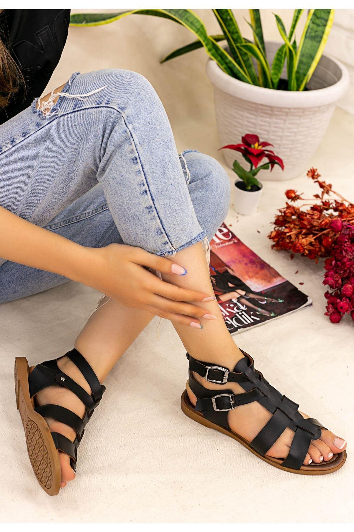 Dawn Siyah Kemerli Sandalet