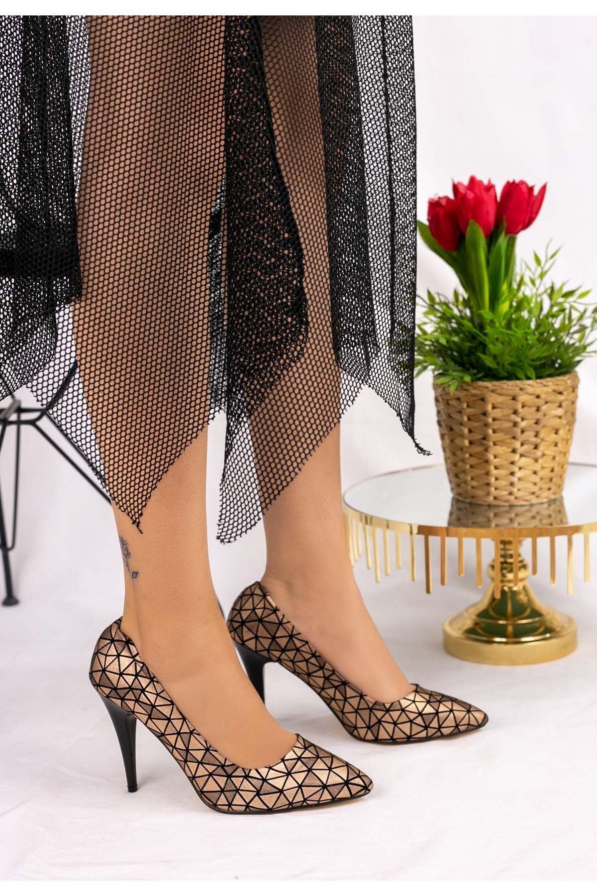 Revaxi  Vizon Cilt Desenli Stiletto Ayakkabı