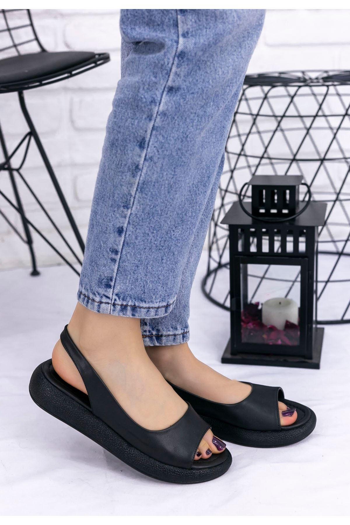 Babt Siyah Cilt Sandalet