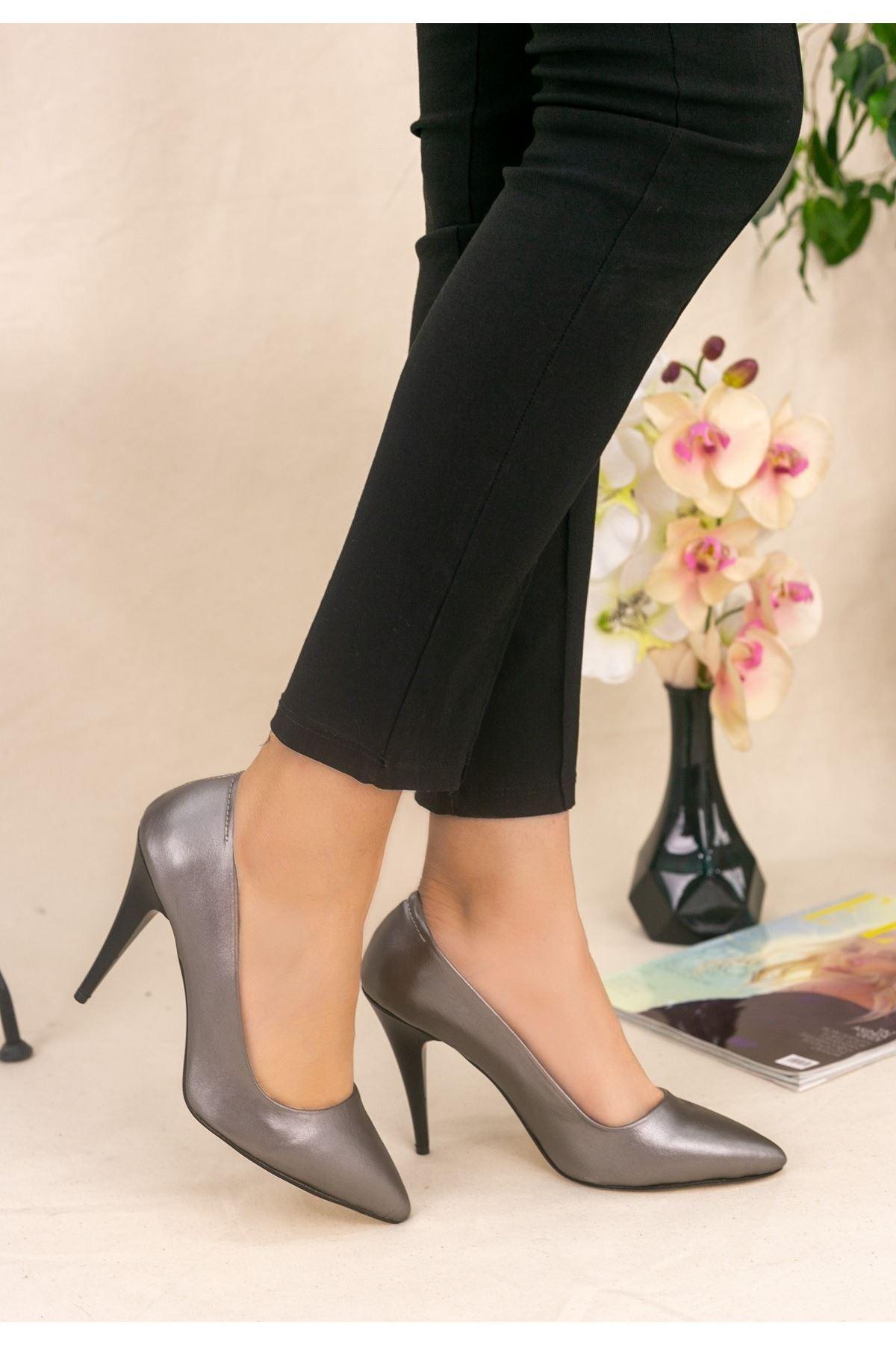 Revaxi Platin Cilt Topuklu Ayakkabı