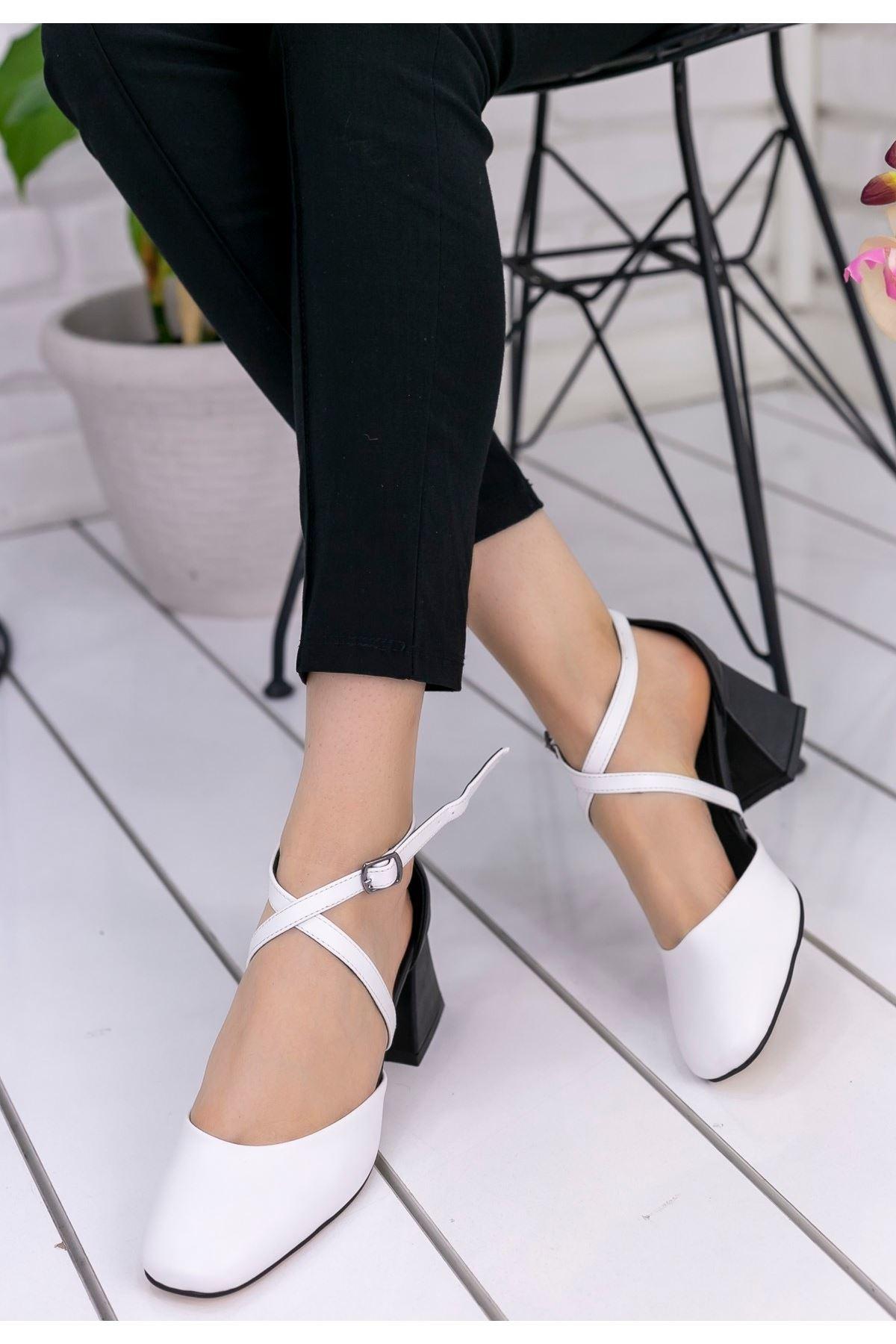 Londa Beyaz Cilt Siyah Topuklu Ayakkabı