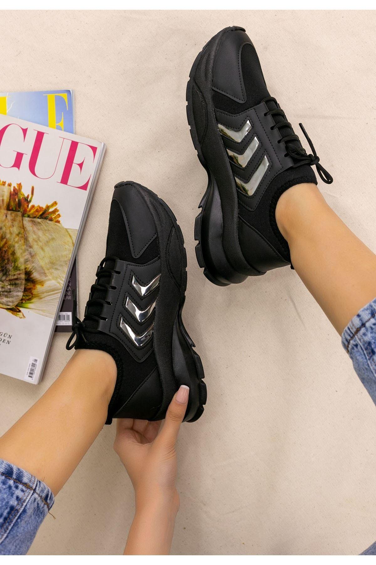 Alya Siyah Cilt Platin Şeritli Spor Ayakkabı