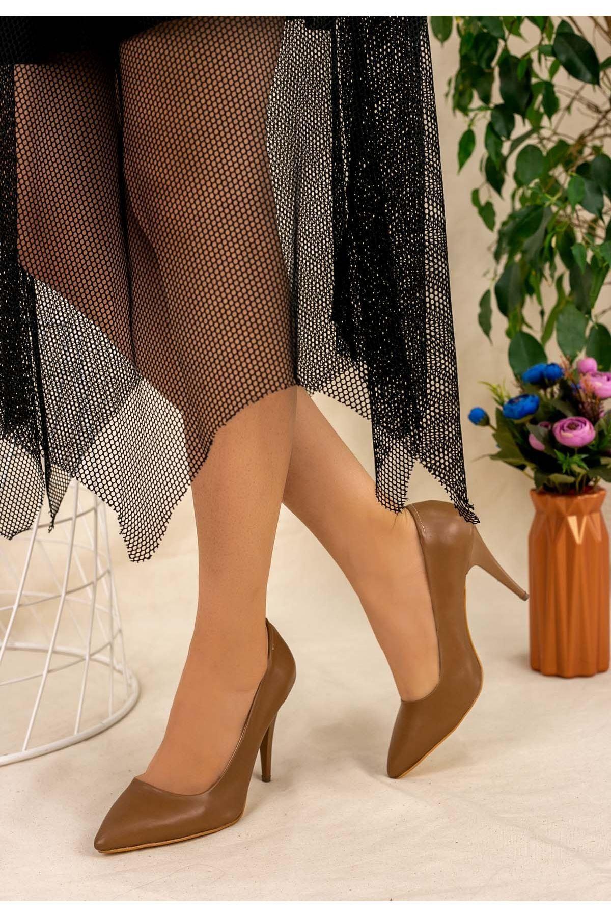 Revaxi Koyu Vizon Cilt Stiletto Ayakkabı