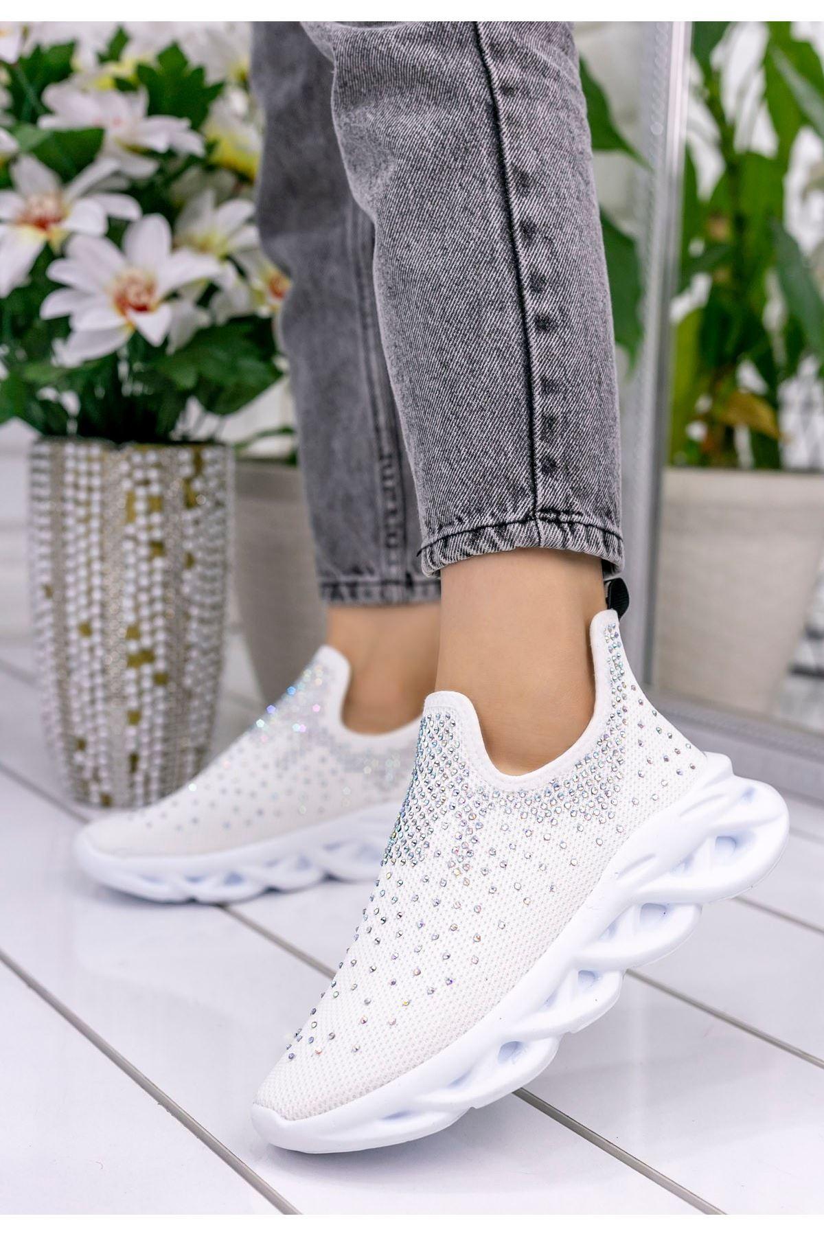 Patsy Beyaz Boncuklu Spor Ayakkabı