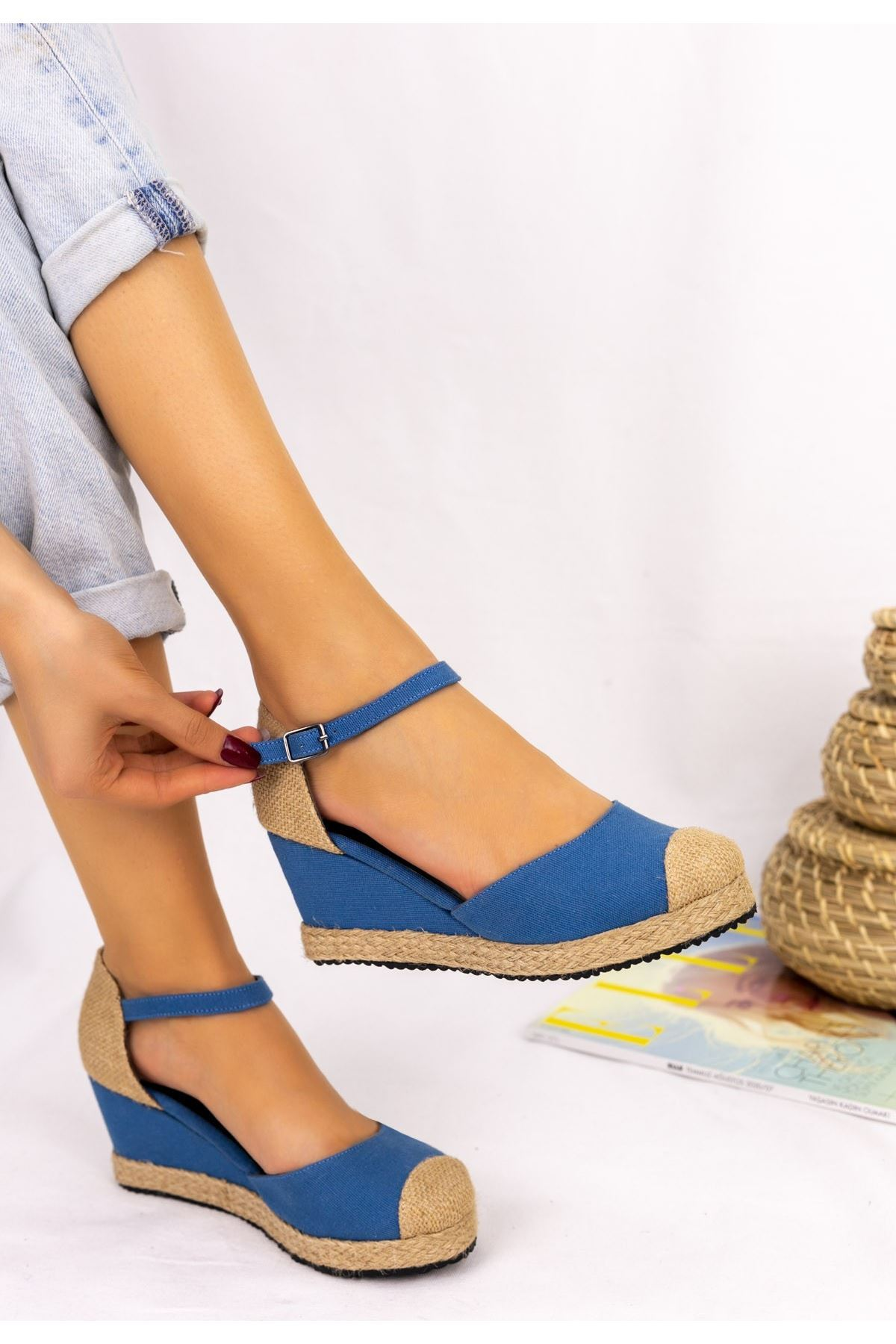 Neyma Bebe Mavisi Dolgu Topuk Sandalet