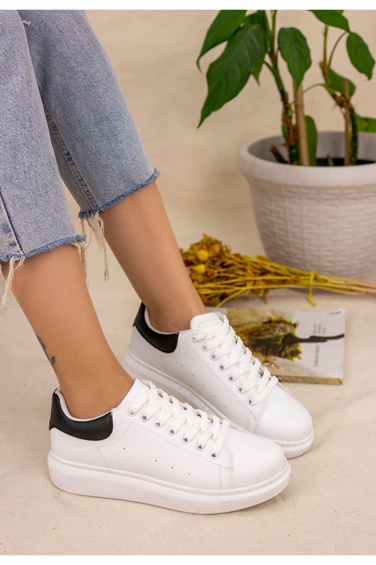 Neomix Beyaz Cilt Siyah Detaylı Spor Ayakkabı