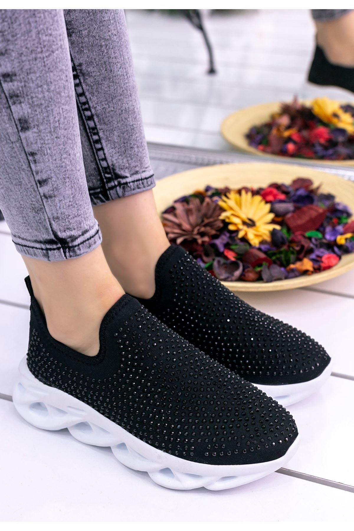 Vicki Siyah Boncuklu Beyaz Tabanlı Spor Ayakkabı