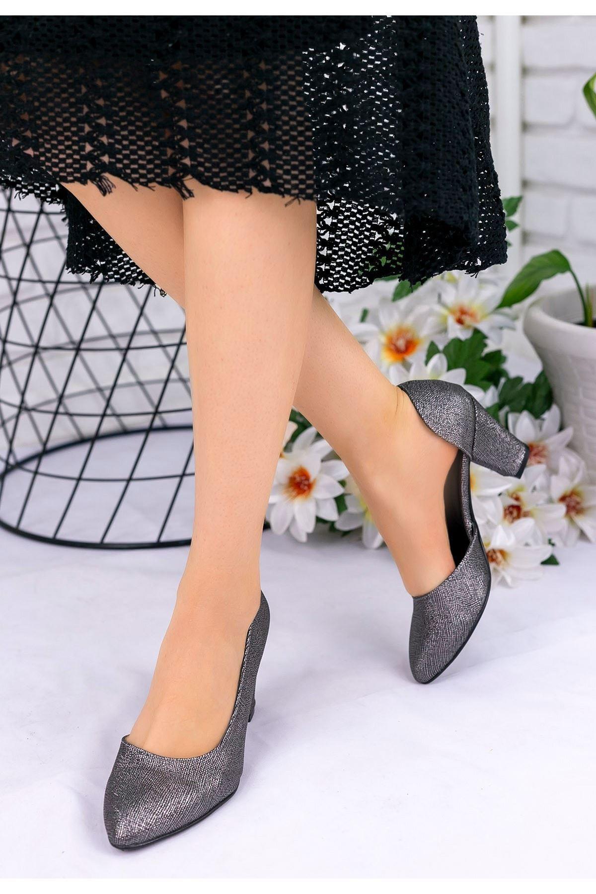 Belie Platin Cilt Desenli Topuklu Ayakkabı