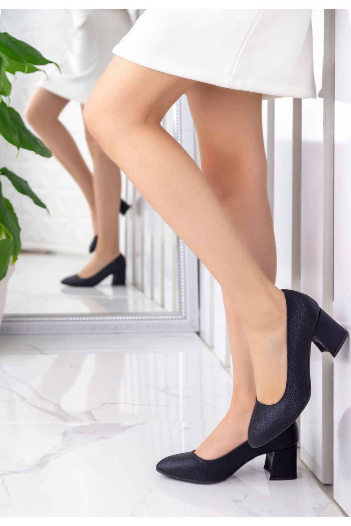Sever Siyah Cilt Desenli Topuklu Ayakkabı