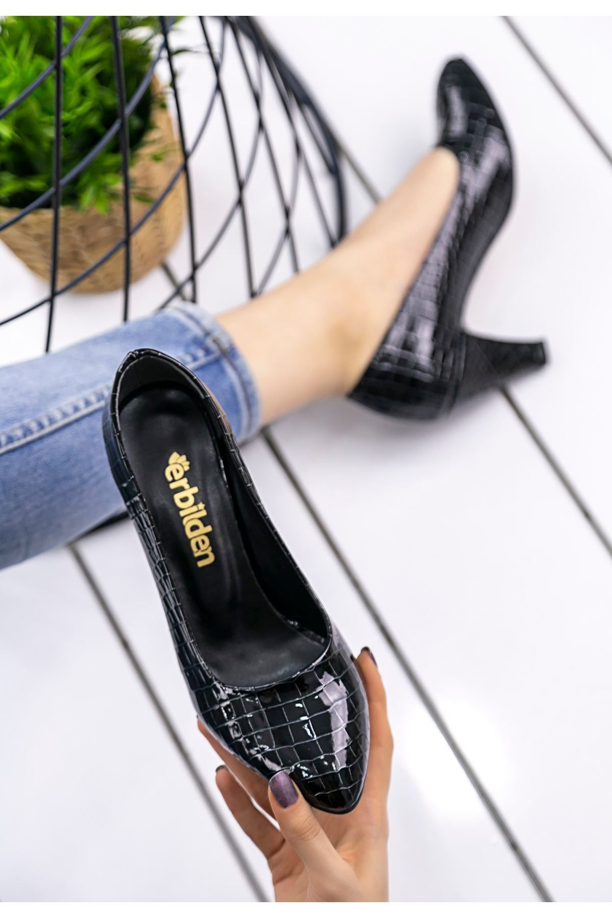 Maryy Siyah Rugan Yılan Detaylı Ayakkabı