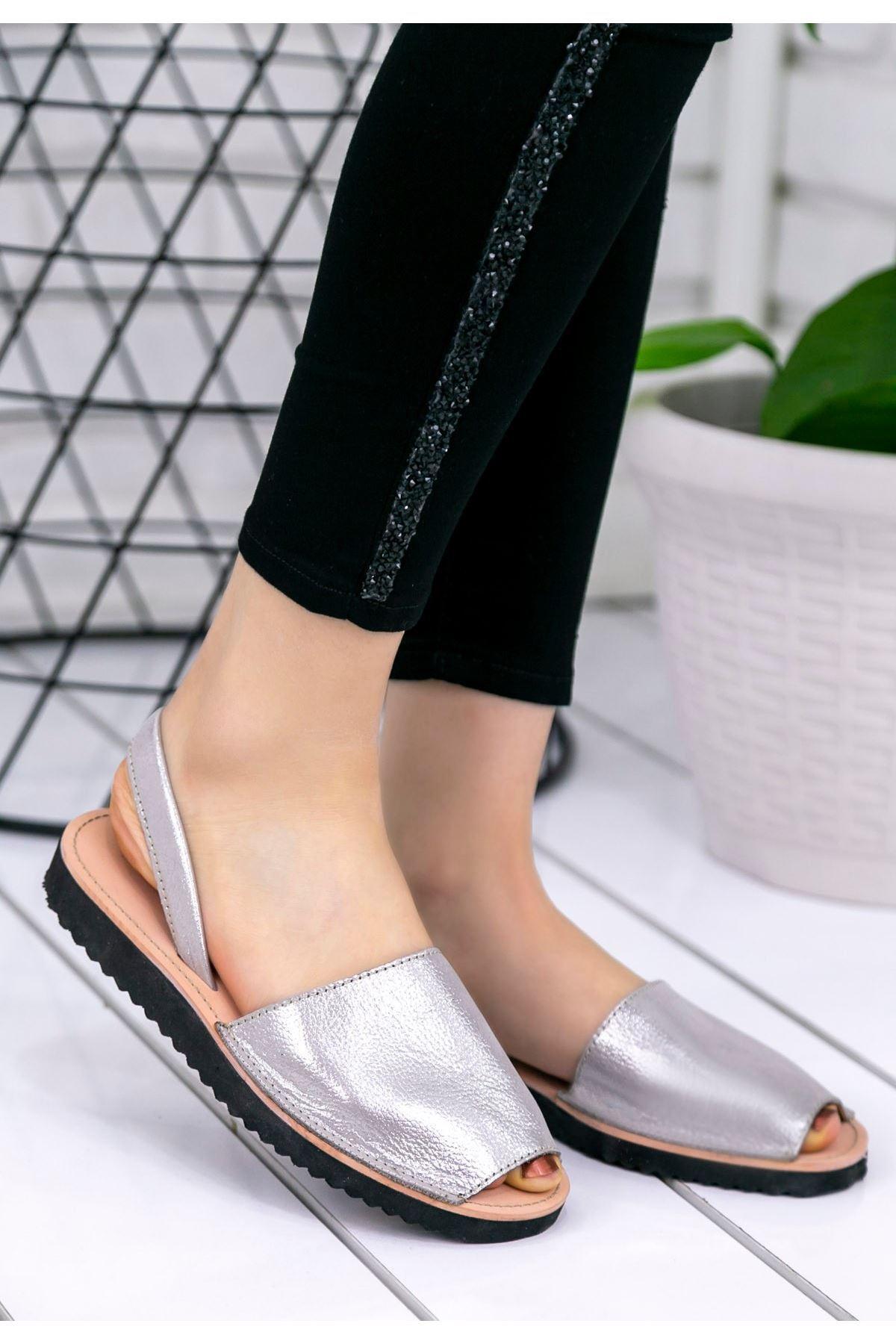 Samiye Gümüş Cilt Sandalet