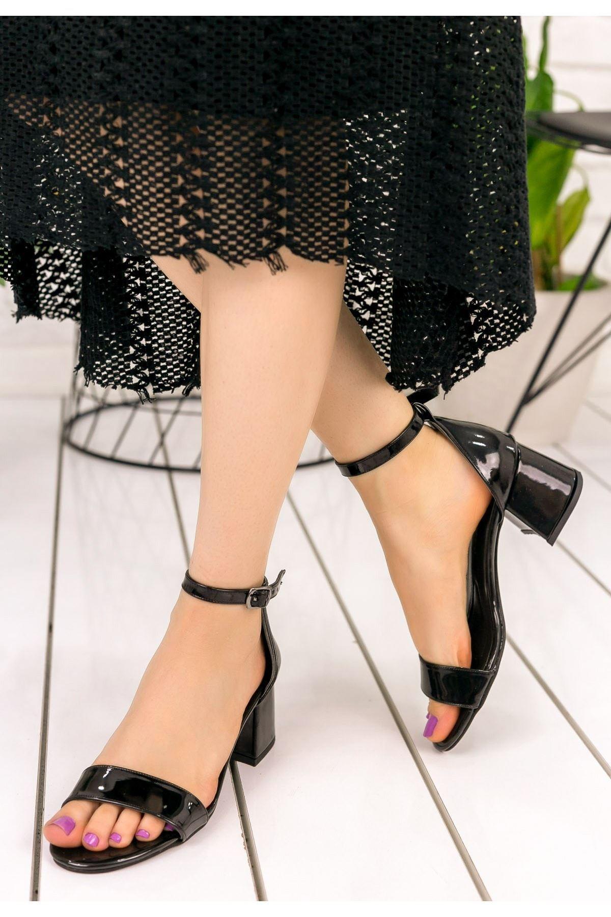 Jolie Siyah Rugan Topuklu Ayakkabı