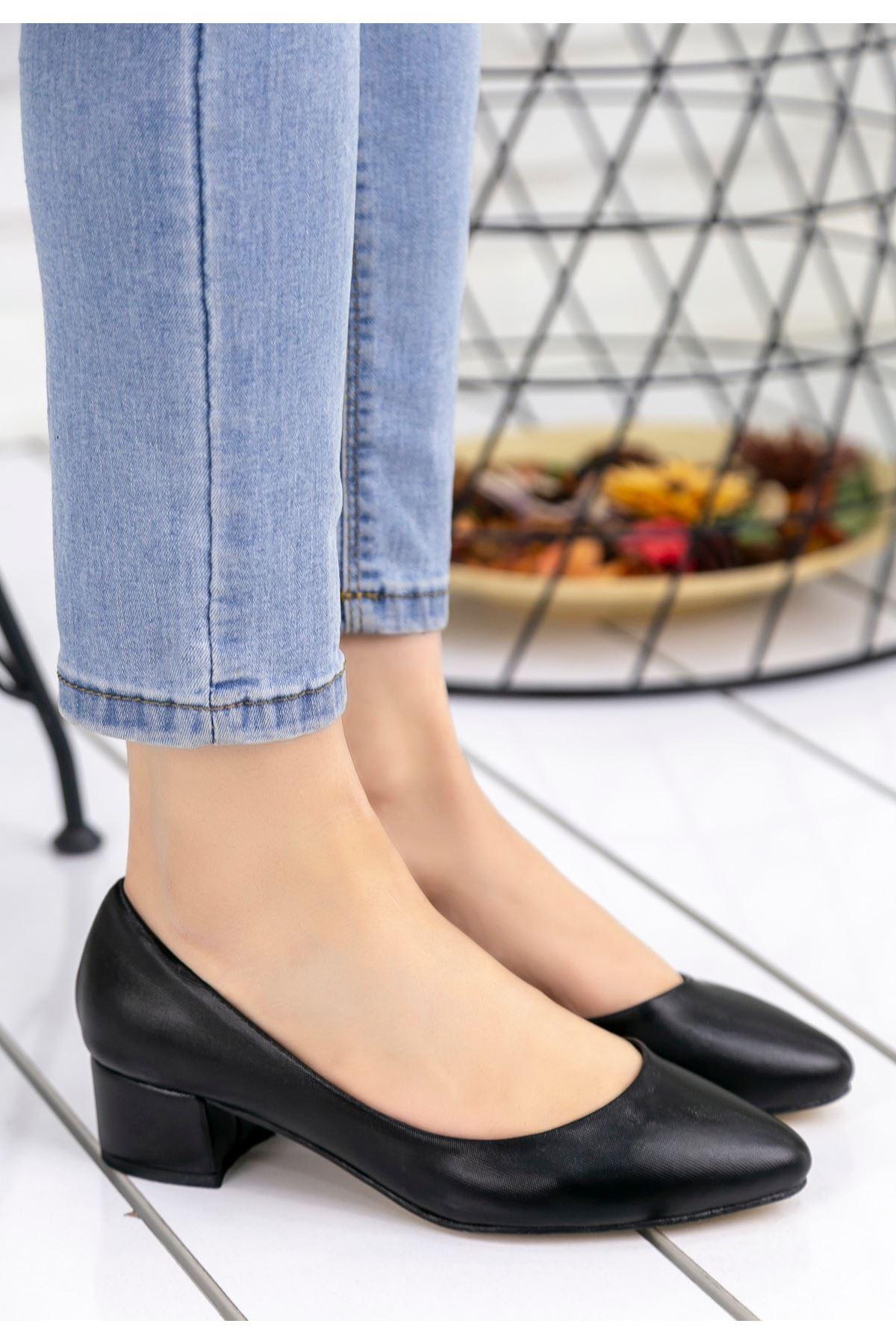 Anwen Siyah Cilt Topuklu Ayakkabı
