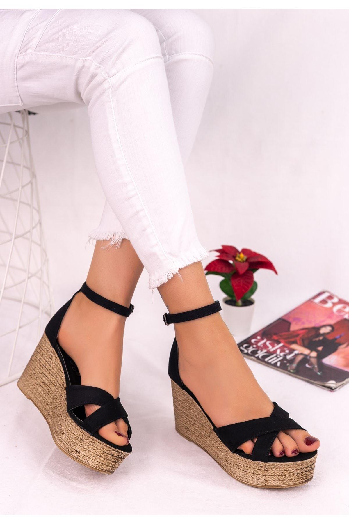 Kaly Siyah Süet Dolgu Topuk Sandalet