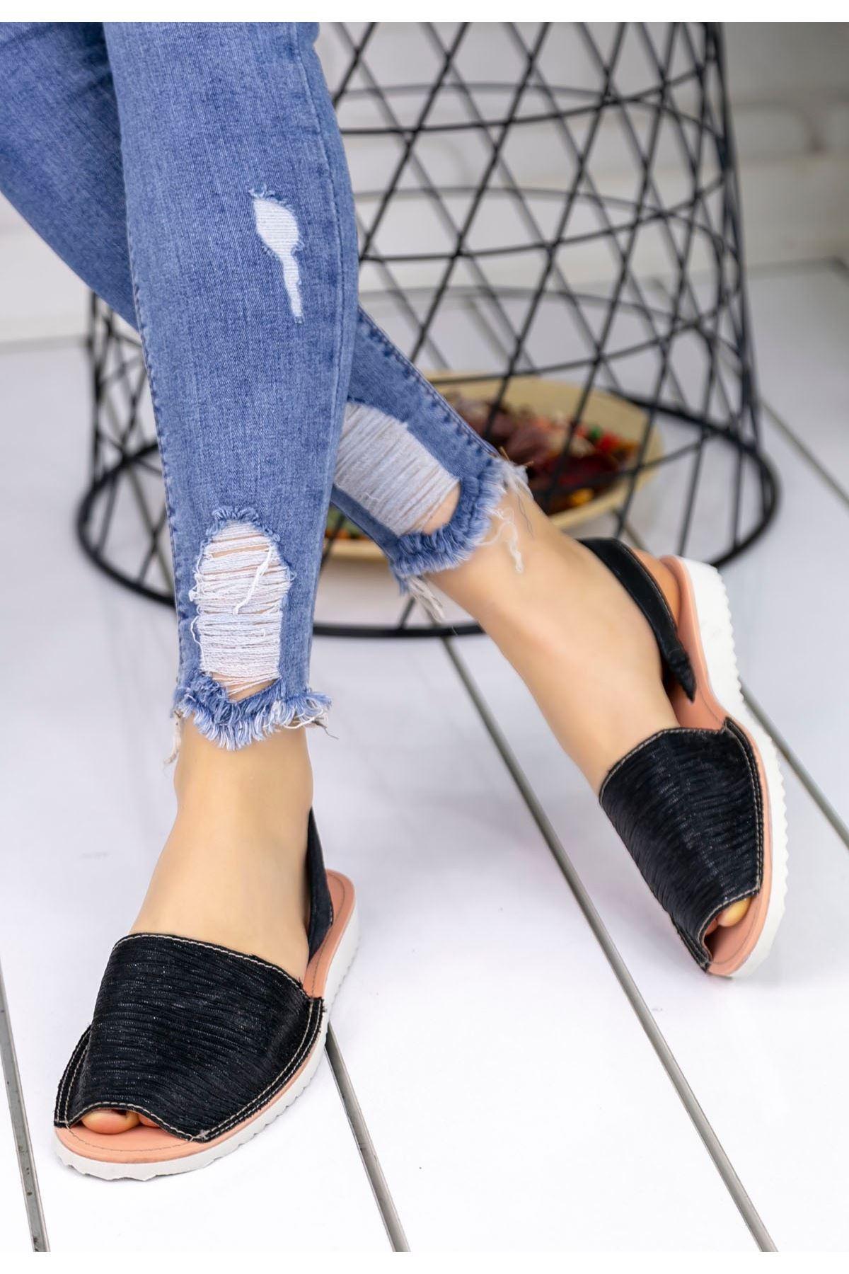 Samiye Siyah Cilt Sandalet