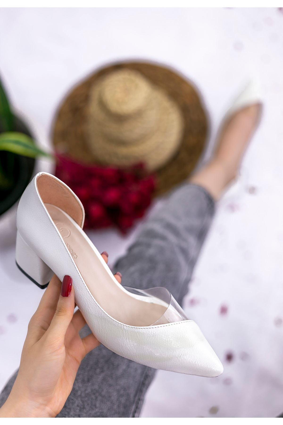 Sibly Beyaz Rugan Desenli Topuklu Ayakkabı