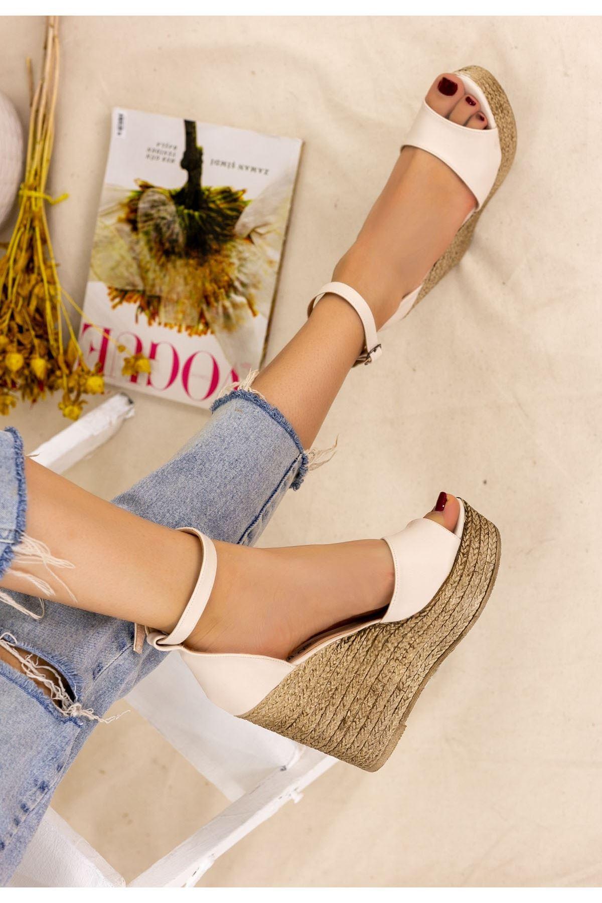 Karlia Krem Cilt Dolgu Topuk Sandalet