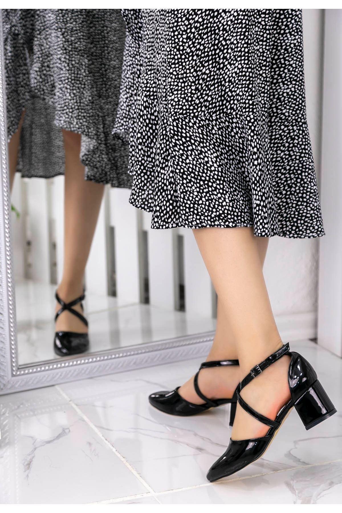 Lolex Siyah Rugan Topuklu Ayakkabı