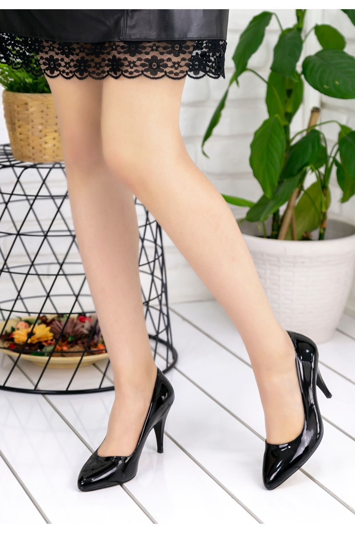 Helena Siyah Rugan Stiletto Ayakkabı