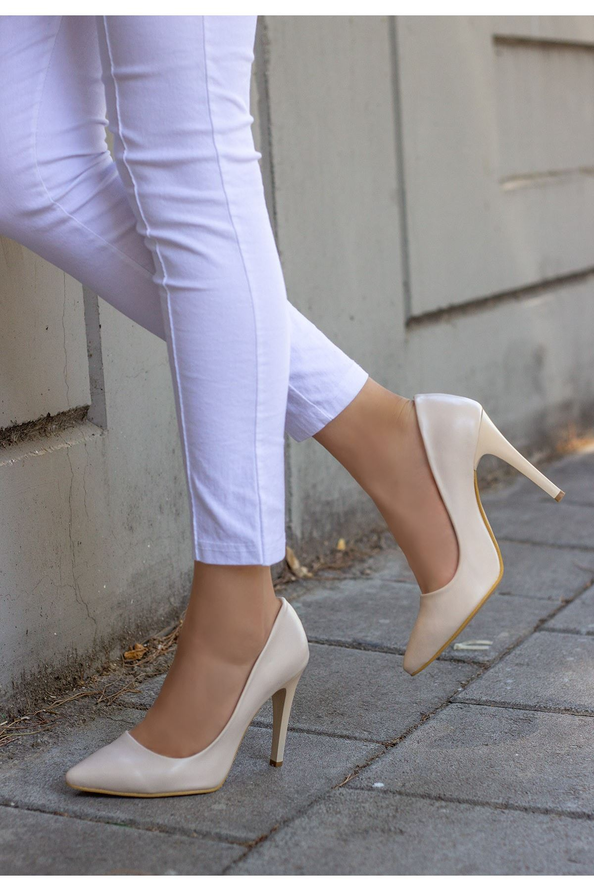 Taylox Krem Cilt Stiletto Ayakkabı