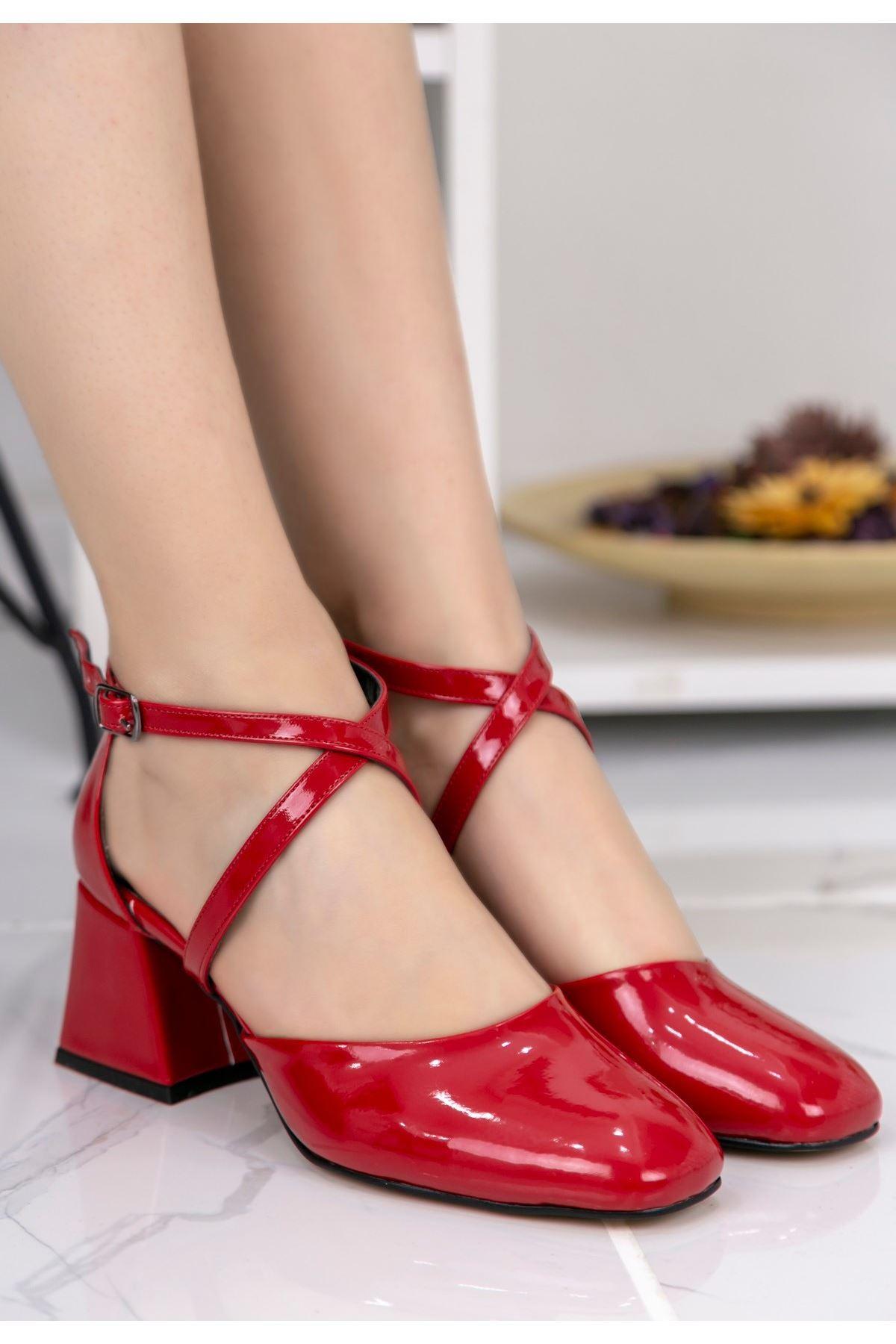 Persis Kırmızı Rugan Topuklu Ayakkabı