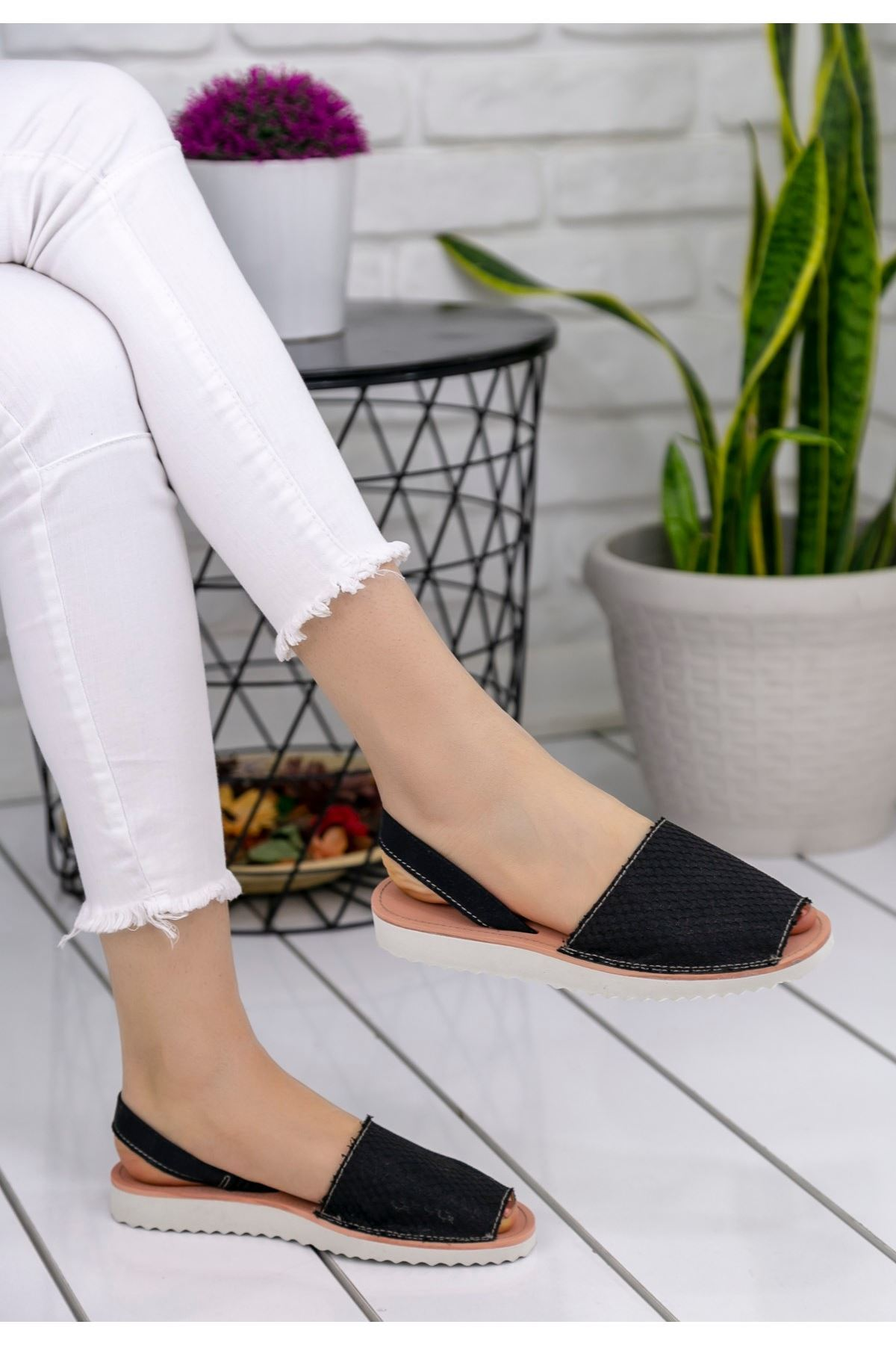 Samiye Siyah Cilt Desenli Sandalet