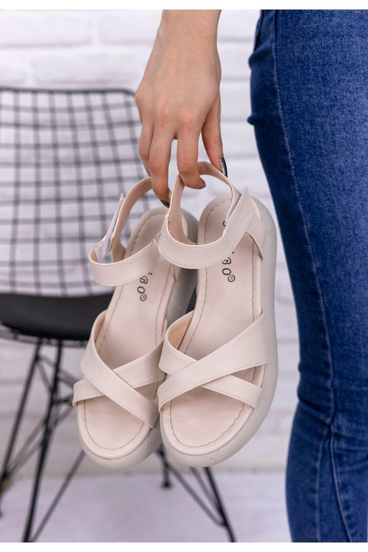 Leahy Krem Cilt Sandalet