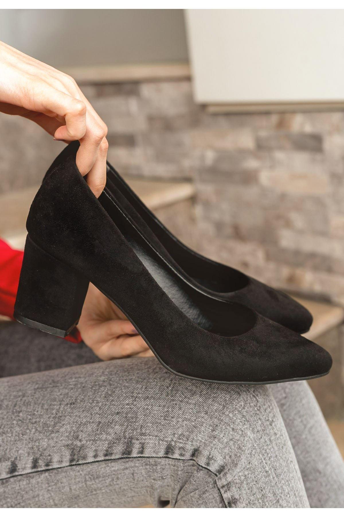 Lehisa Siyah Süet Topuklu Ayakkabı