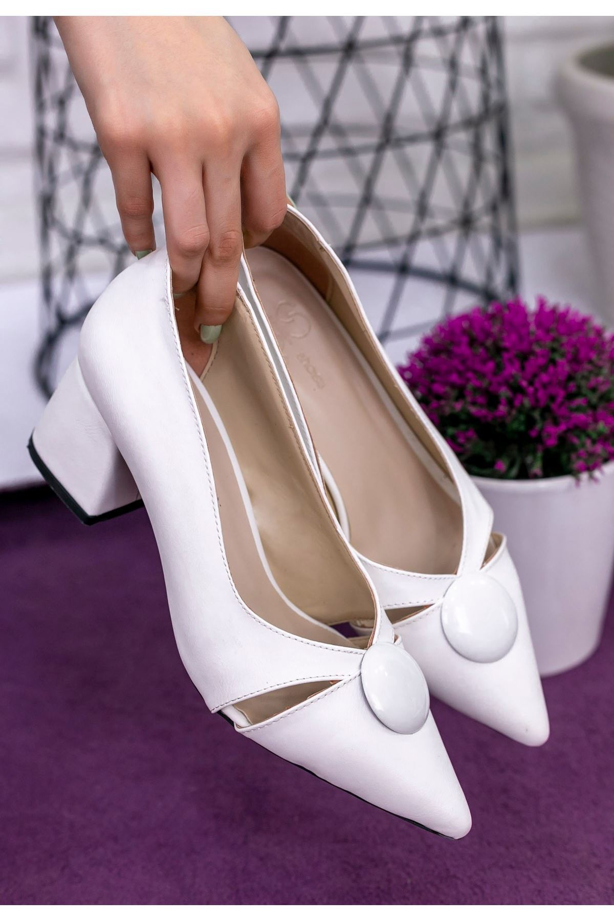 Melvi Beyaz Cilt Topuklu Ayakkabı