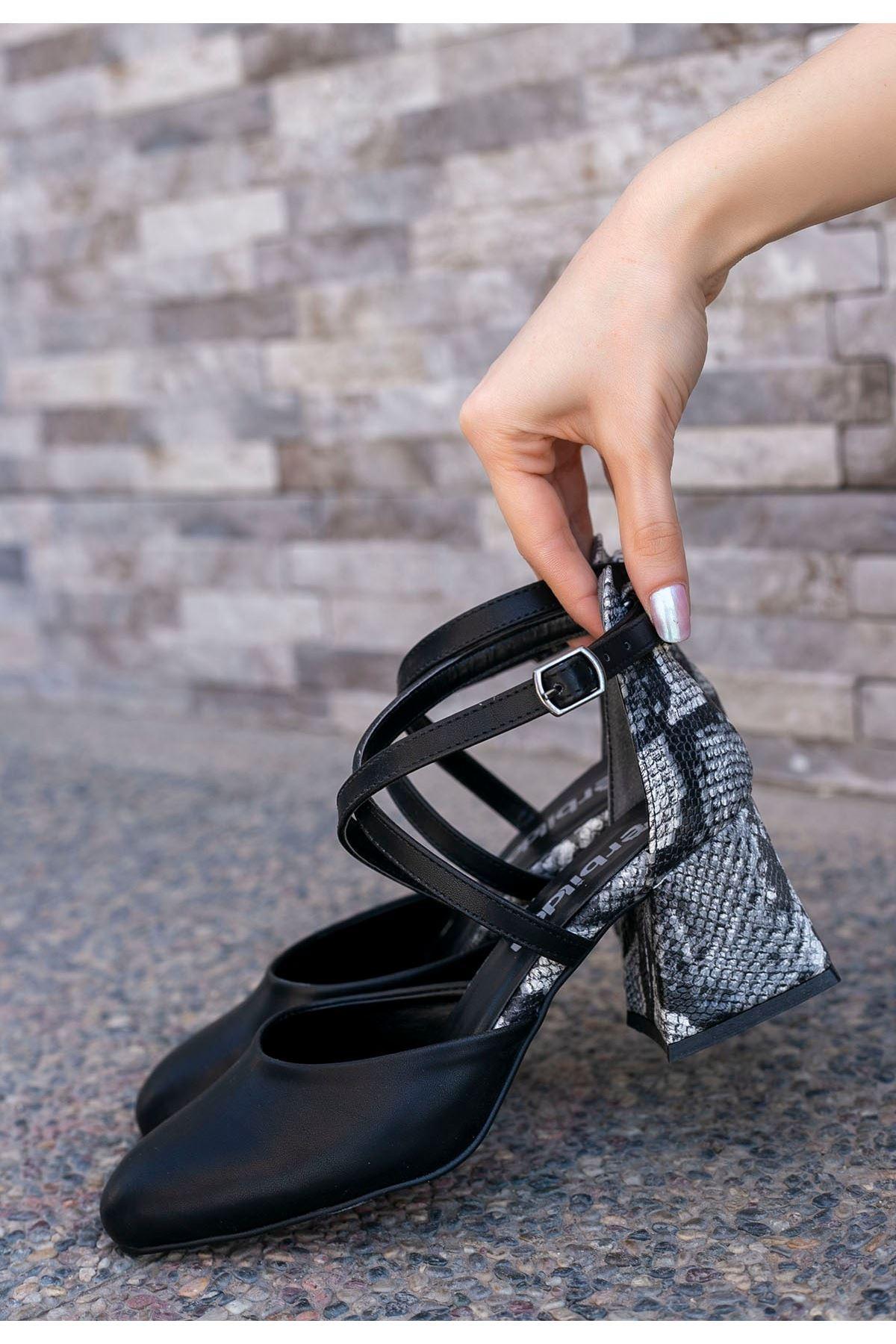 Londa Siyah Cilt Yılan Detaylı Ayakkabı
