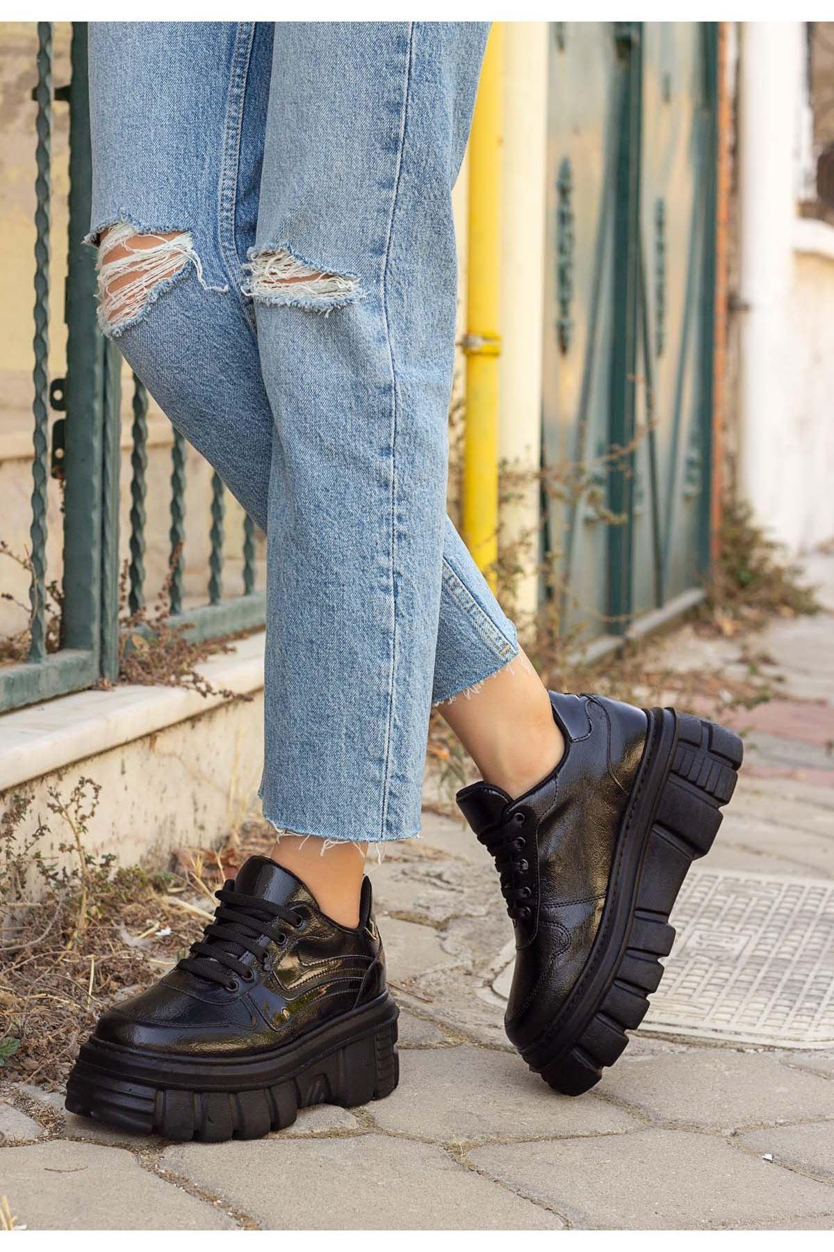 Matti Siyah Rugan Siyah Tabanlı Spor Ayakkabı