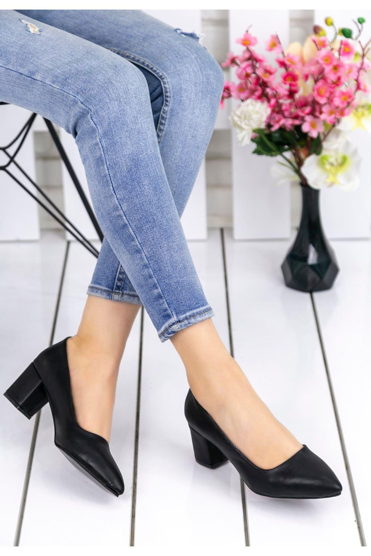 Sever Siyah Cilt Topuklu Bayan Ayakkabı