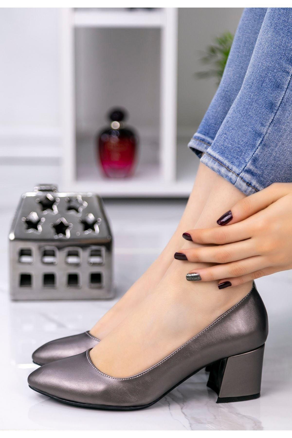 Lori Platin Cilt Topuklu Ayakkabı