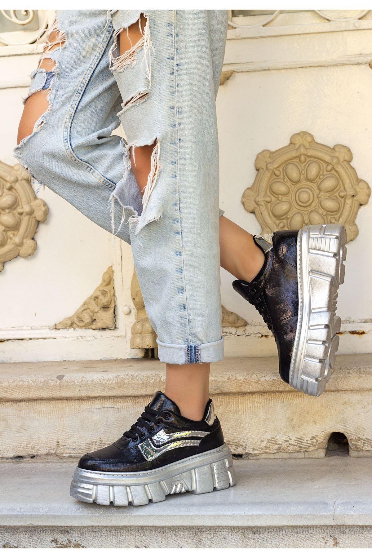 Matti Siyah Rugan Gümüş Tabanlı Spor Ayakkabı