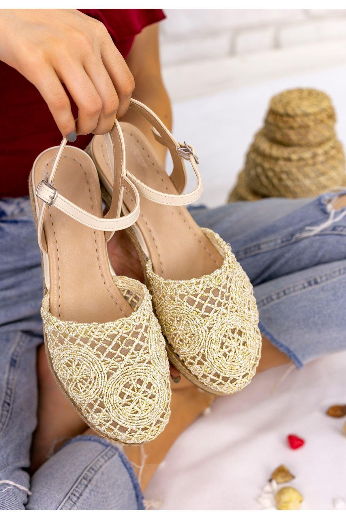 Nyal Gold Örgülü Sandalet