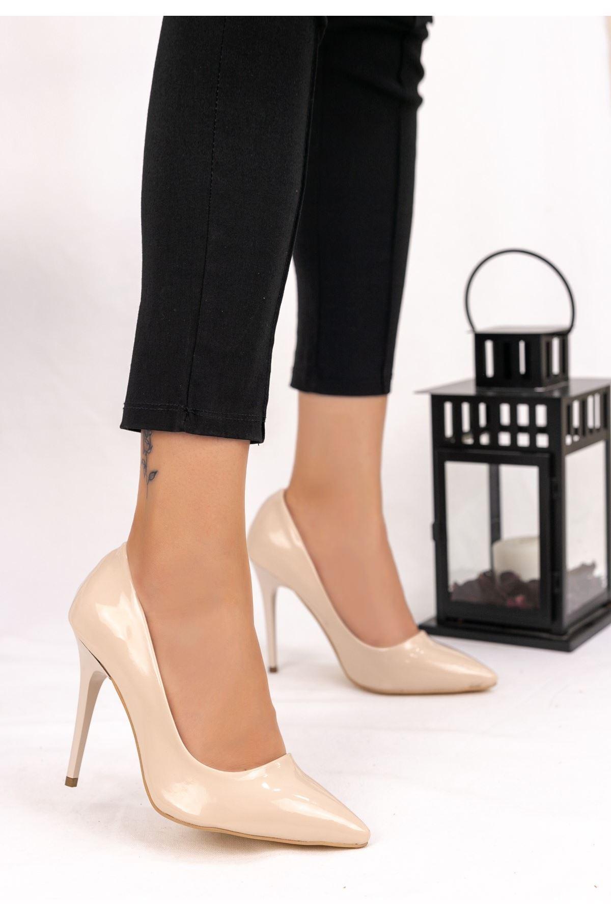 Muad Krem Rugan Stiletto Ayakkabı