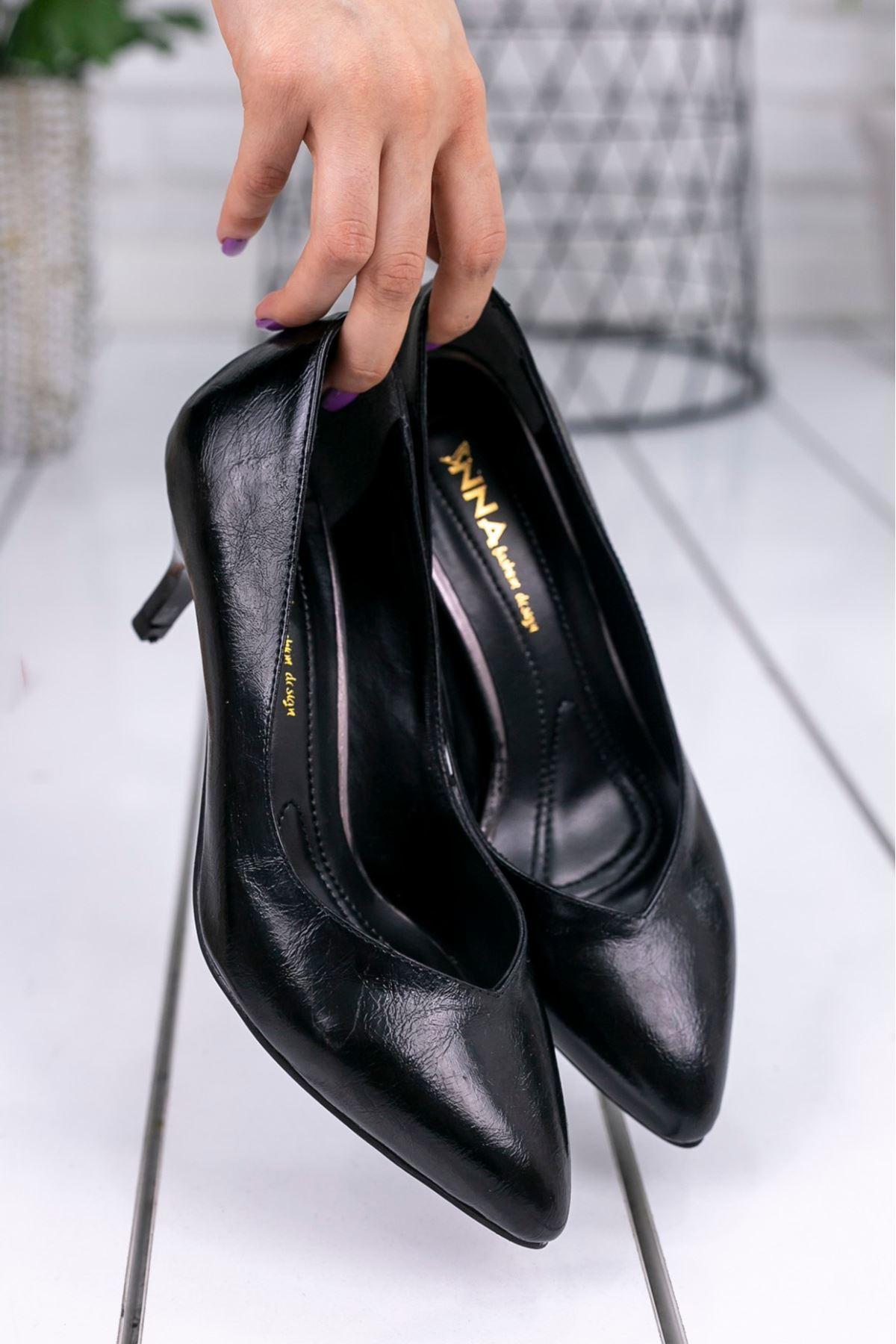 Evan Siyah Cilt Topuklu Ayakkabı