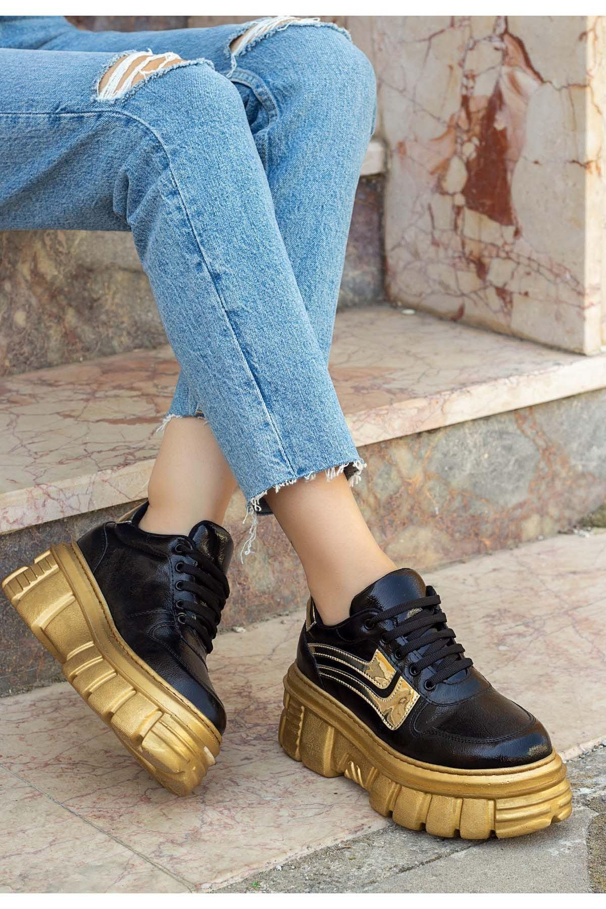 Matti Siyah Rugan Gold Tabanlı Spor Ayakkabı