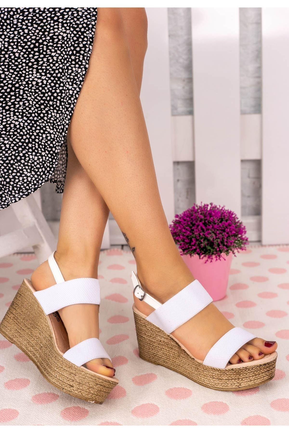 Sashy Beyaz Keten Dolgu Topuk Sandalet