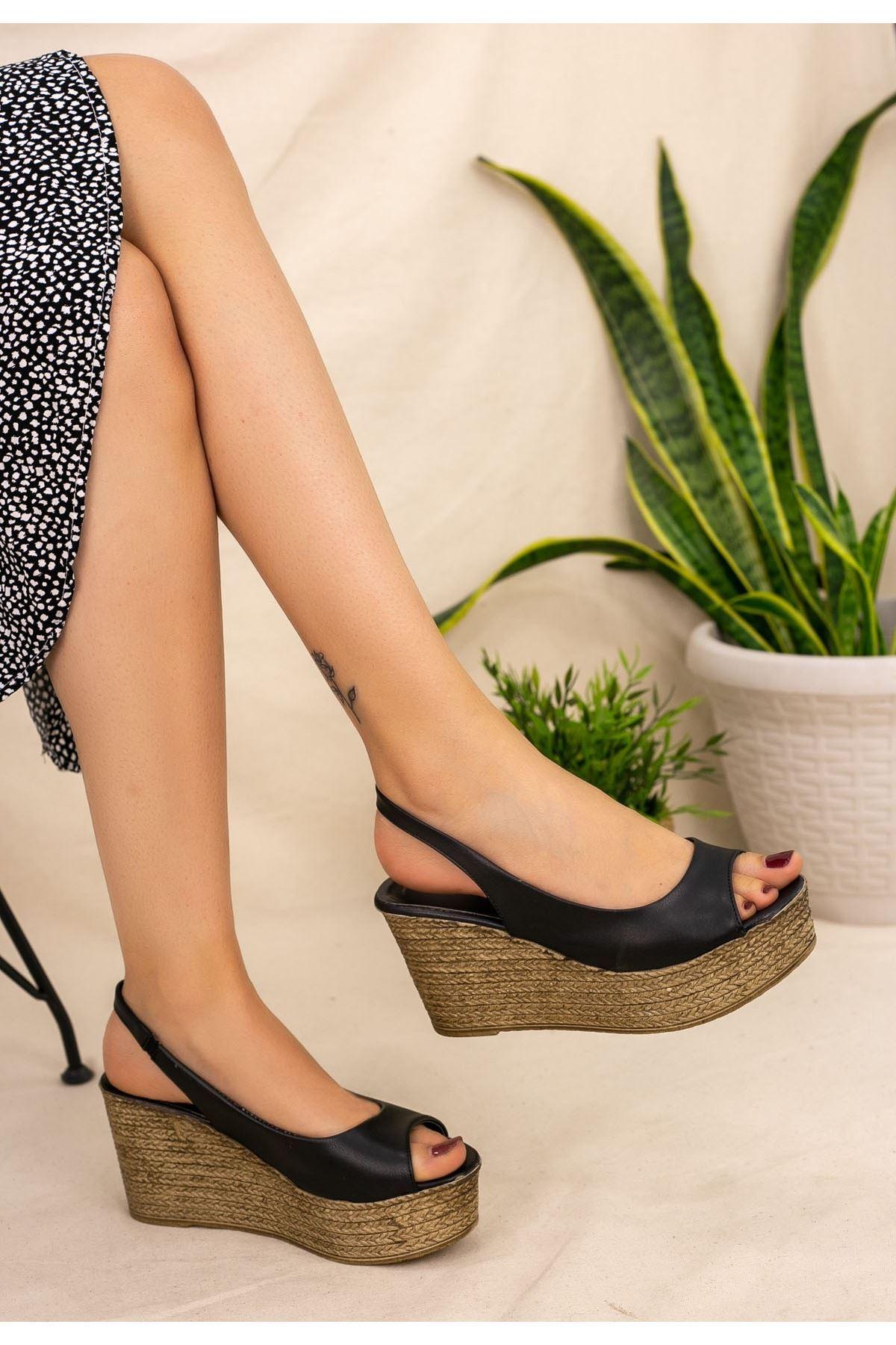 Nysa Siyah Cilt Dolgu Topuk Sandalet