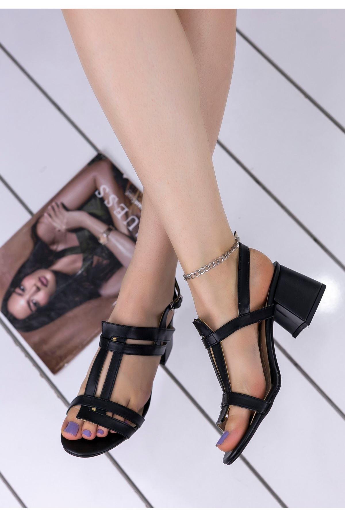 Finn Siyah Cilt Topuklu Ayakkabı