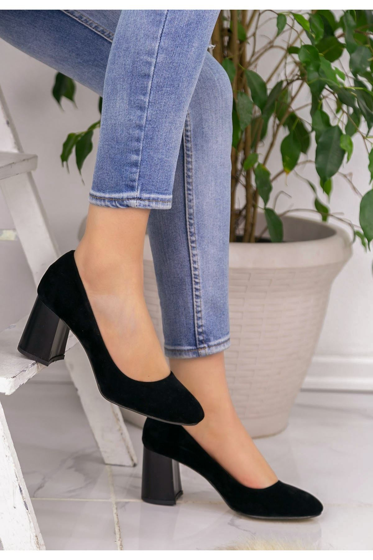 Jeani Siyah Süet Topuklu Ayakkabı