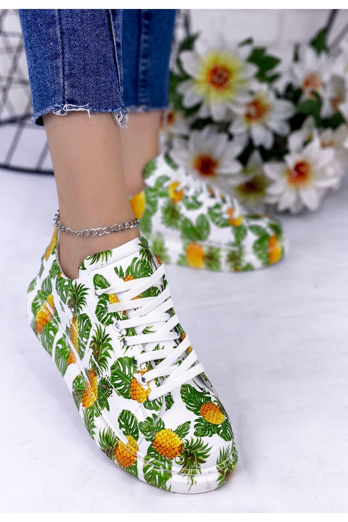 Maxsi Beyaz Cilt Yeşil Detaylı Spor Ayakkabı