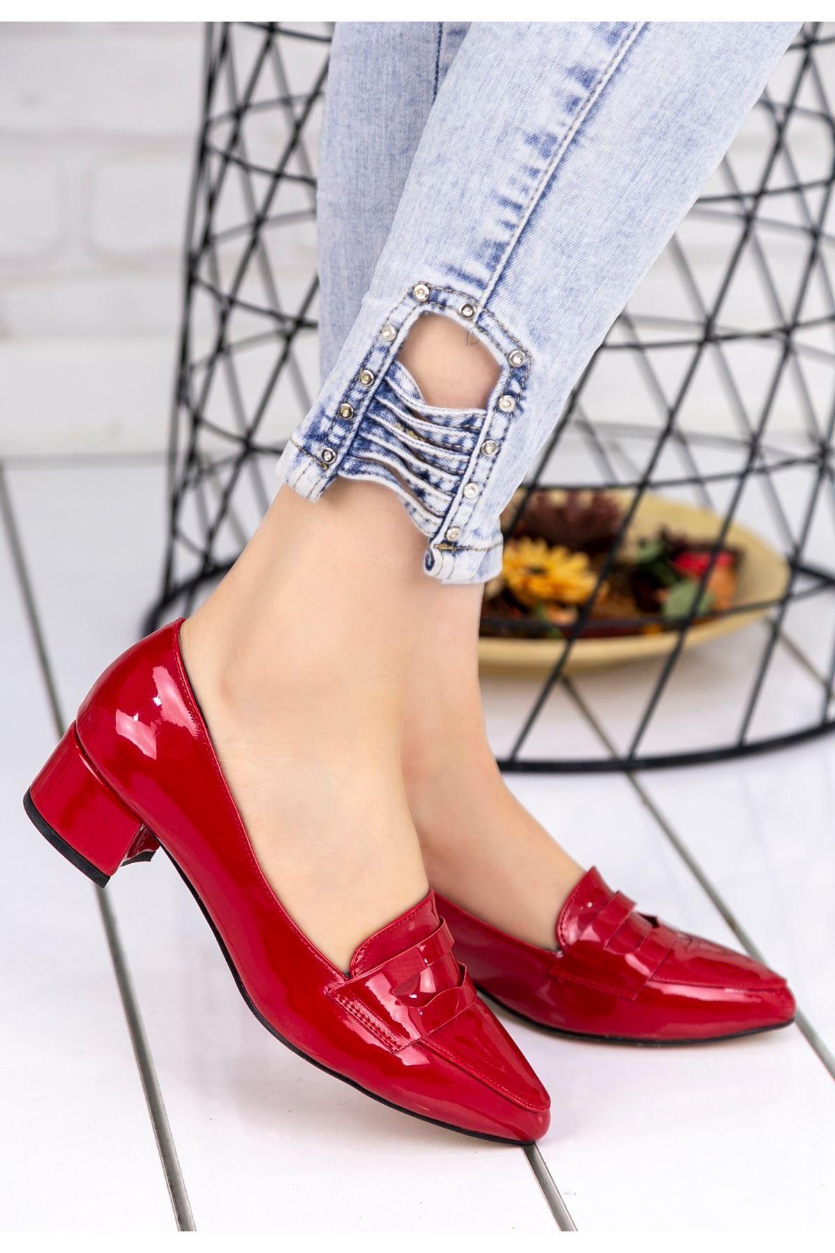 Reyna Kırmızı Rugan Topuklu Ayakkabı