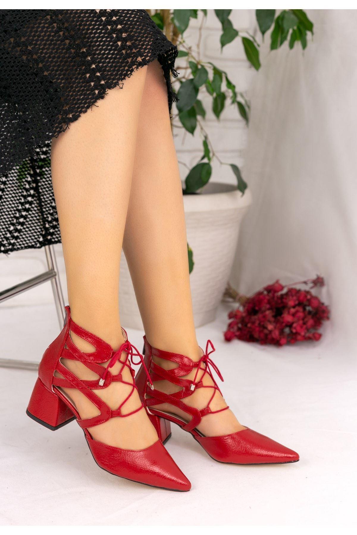 Lilla Kırmızı Rugan Topuklu Ayakkabı