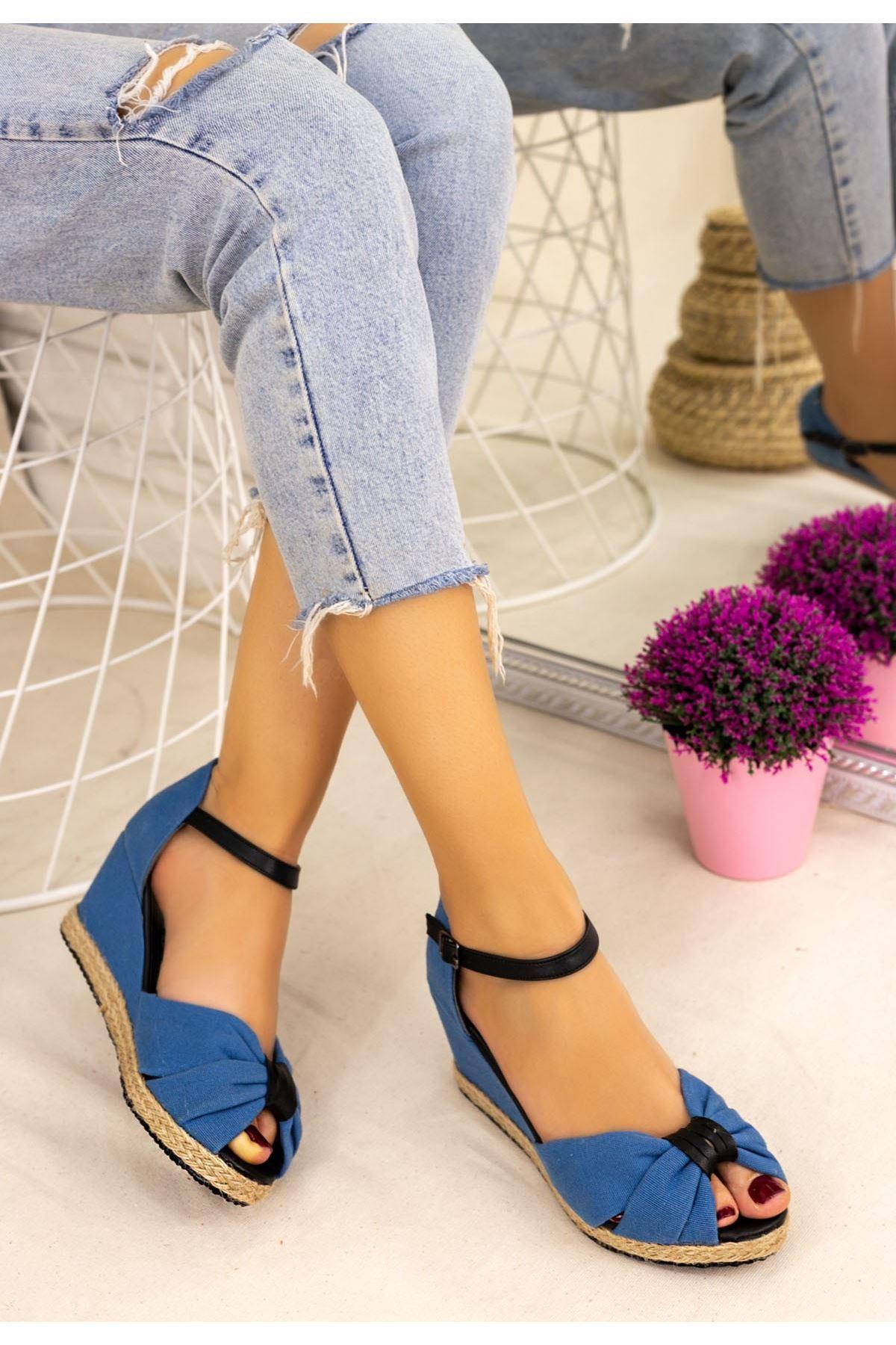 Neome Bebe Mavisi Keten Siyah Detaylı Sandalet
