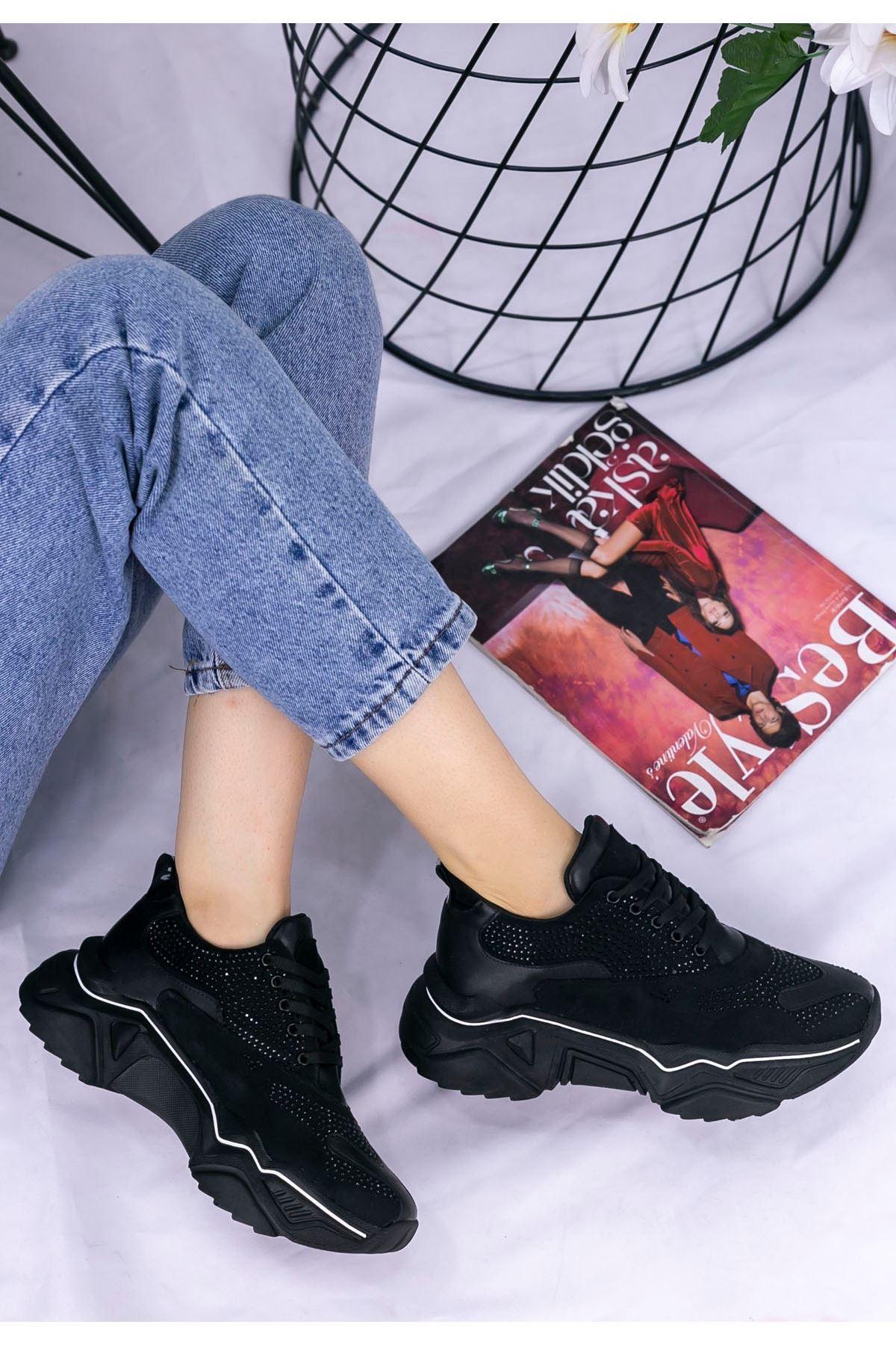 Vira  Siyah Cilt Boncuk İşlemeli Spor Ayakkabı