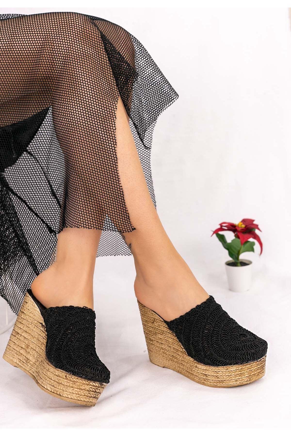 Averya Siyah Örgülü Dolgu Topuk Terlik